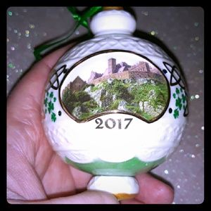 2017 Danbury Mint Irish ornament (Castle)